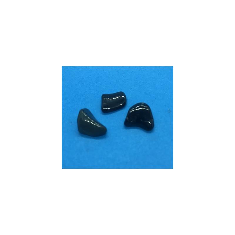 Obsydian czarny bębnowany 10 x 10 mm - 3 szt